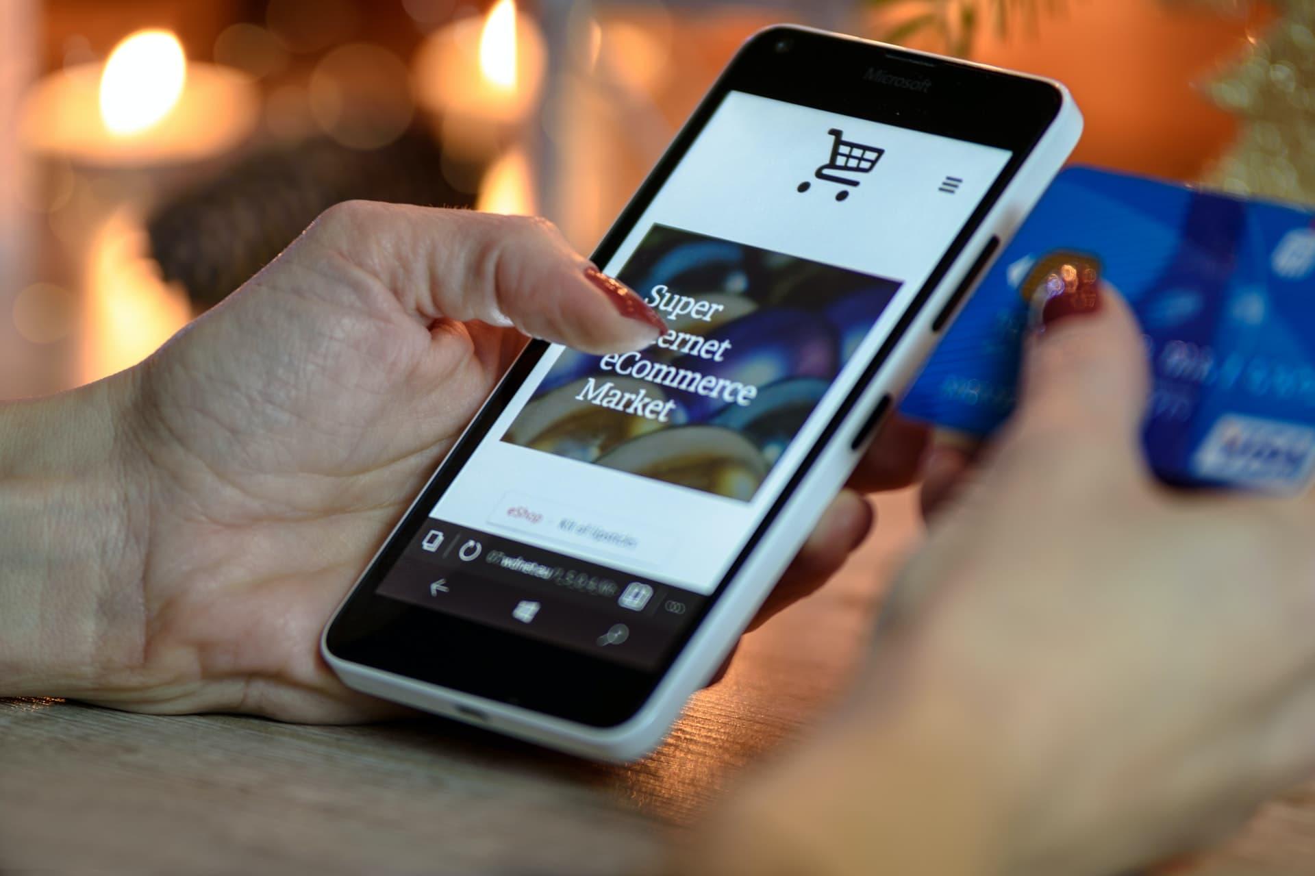 eCommerce market on phone