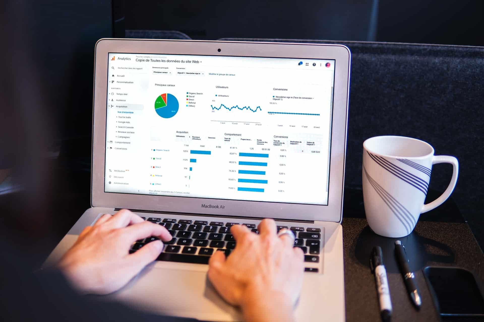Person working in Google Analytics